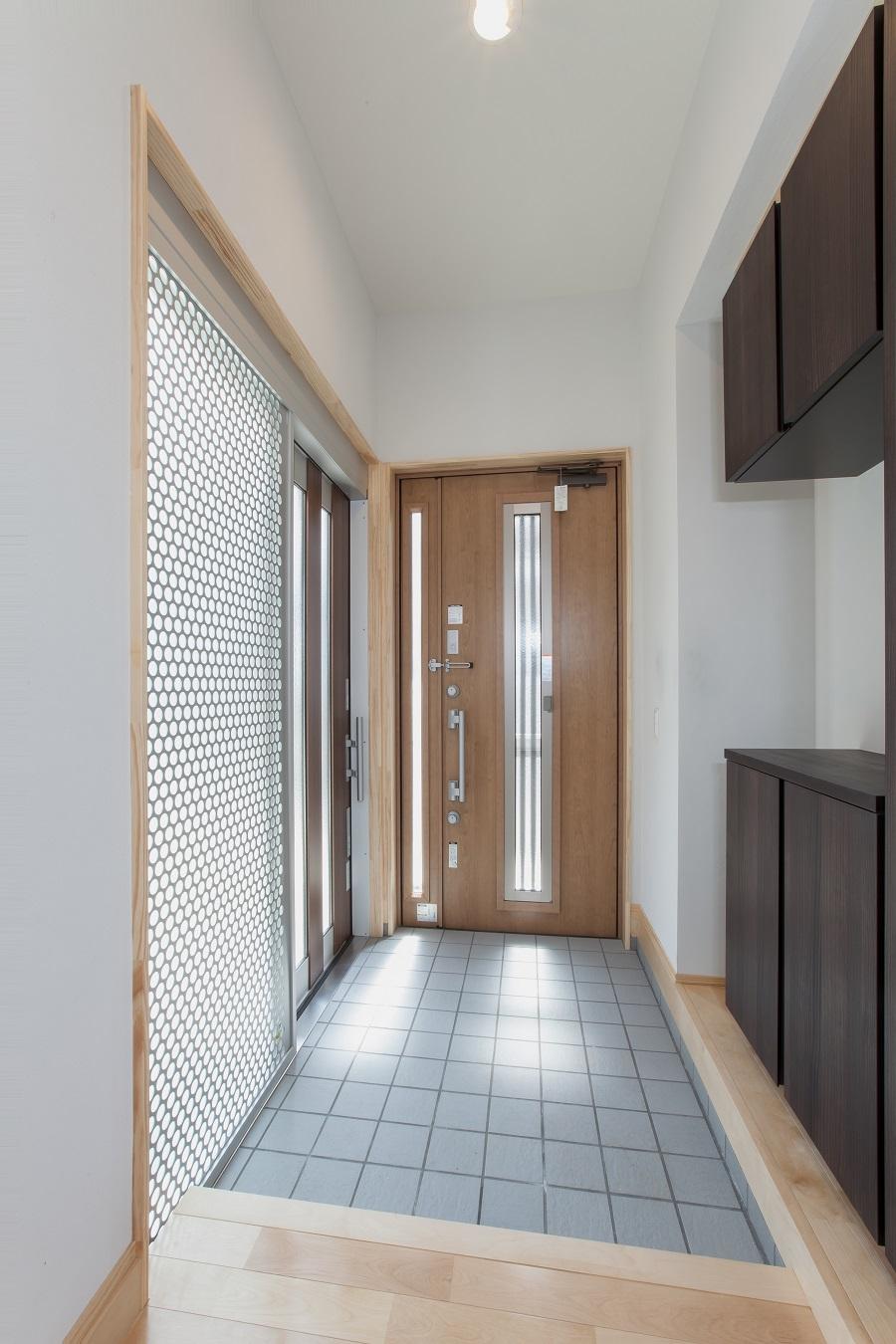 平屋建て 施工事例 玄関1